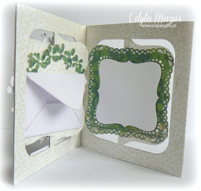 Biało-zielona z wiankiem kwiatów - Pamiatka Komunii Świętej - środek