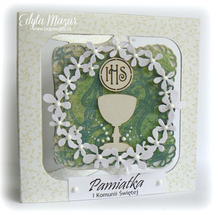 Biało-zielona z wiankiem kwiatów - Pamiatka Komunii Świętej