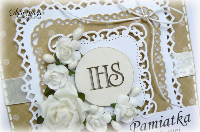 Miodowa z białymi różami - Pamiątka Komunii Świętej