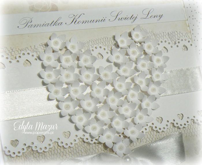 Białe serce ze stokrotek - Pamiątka Komunii Św. Leny