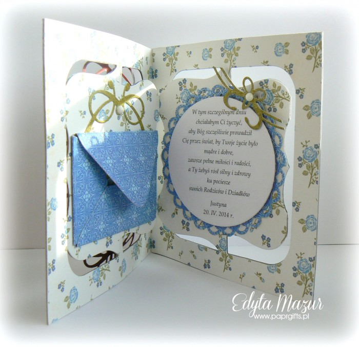 Biało-niebieska z różyczkami - Pamiątka Chrztu Świętego Piotrusia