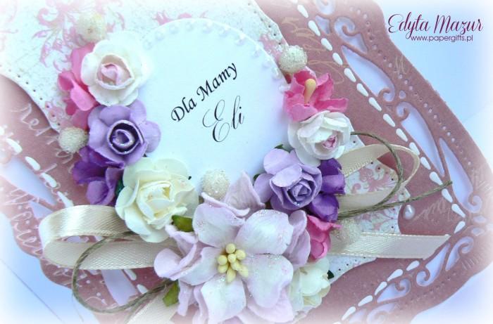 Łososiowa z bukietem kolorowych kwiatów - kartka z okazji Dnia Mamy1