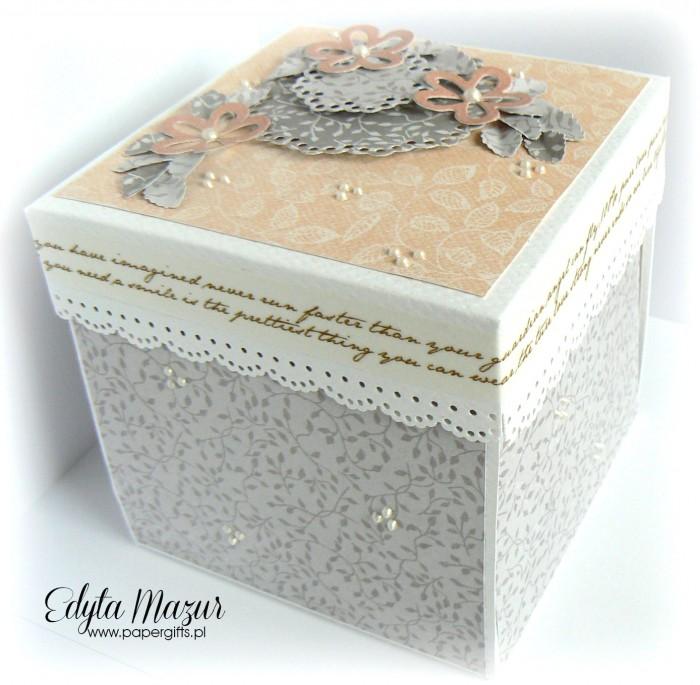 Łososiowo-szary box ślubny