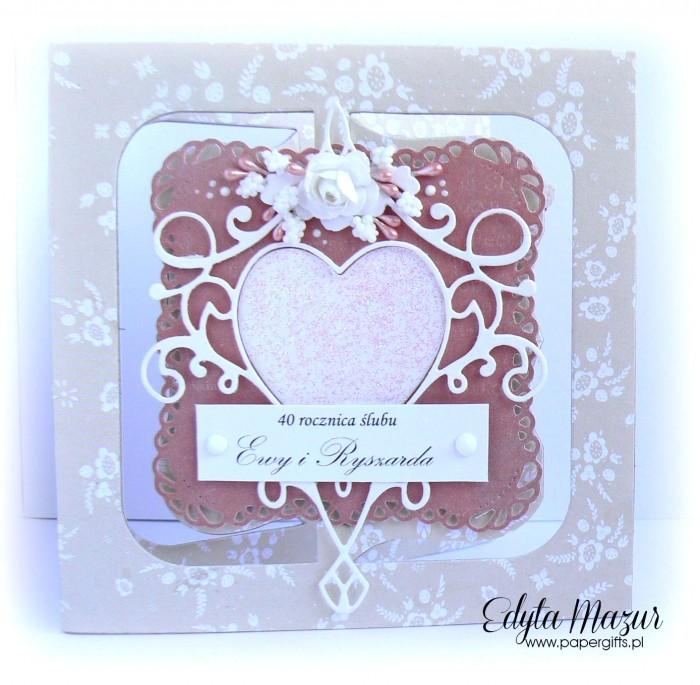 Beżowo-różowa z sercem - kartka na ślub