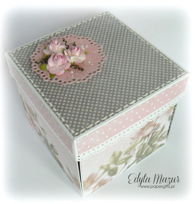 Różane gałązki - box ślubny dla Anny i Łukasza