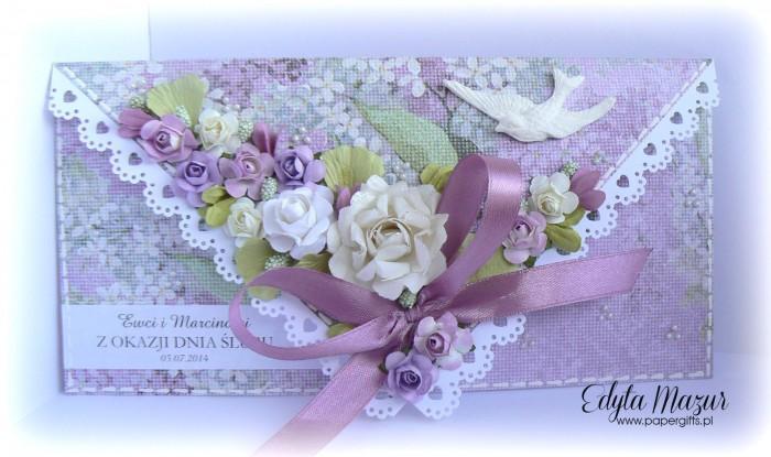 Wrzosowa kopertówka ślubna z gołąbkiem dla Ewy i Marcina