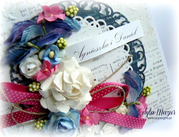 Biało-niebiesko-różowy bukiet kartka ślubna1