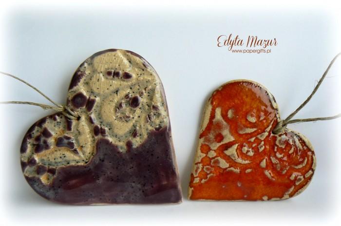 Fioletowe i pomarańczowe - serca z ceramiki