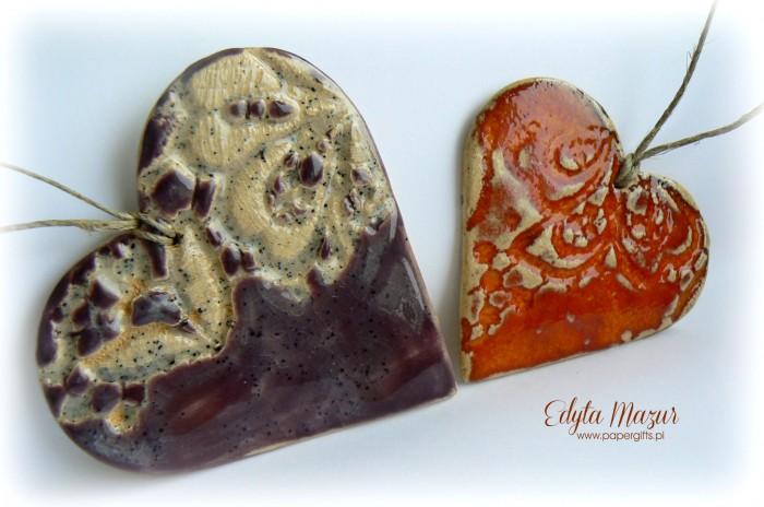 Fioletowe i pomarańczowe - serca z ceramiki1