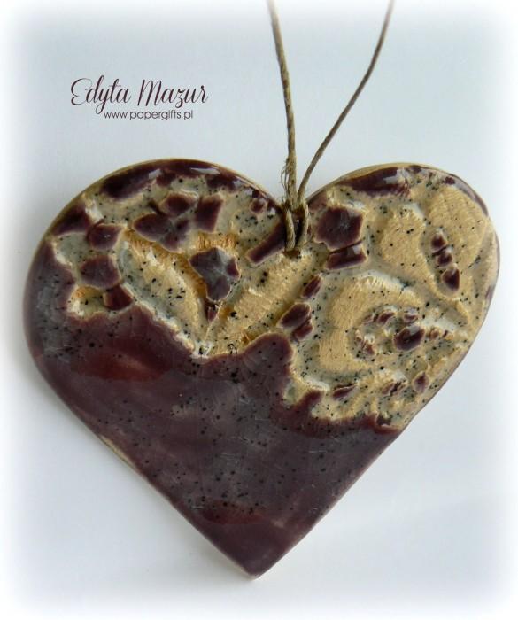 Fioletowe serce z ceramiki