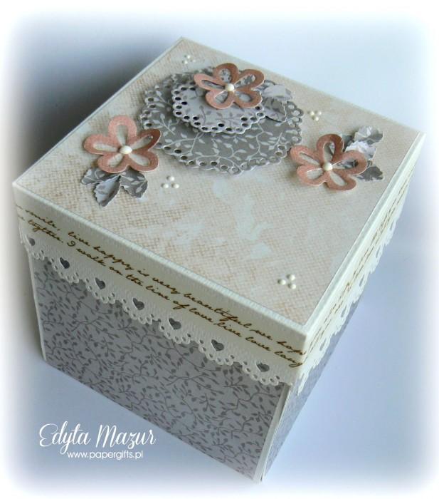Łososiowo-szary box ślubny dla Natalii i Łukasza