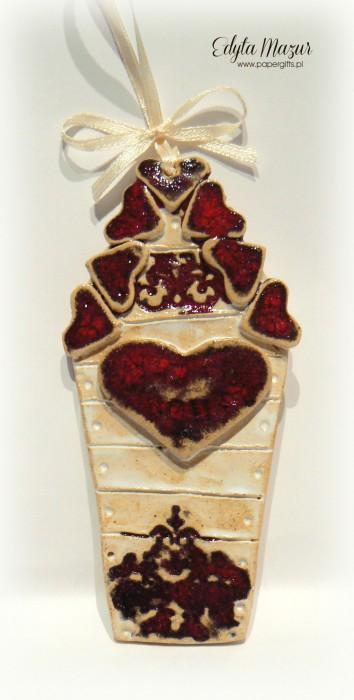 Domek z czerwonym sercem - ceramika zawieszka