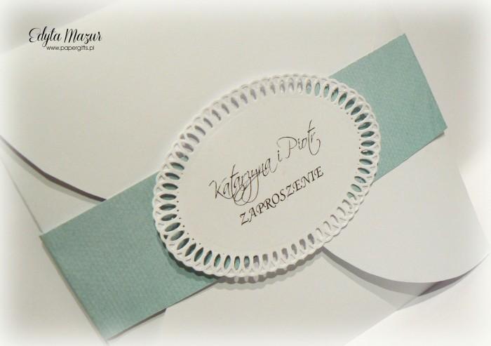 Kółka z błekitną opaską - zaproszenie na ślub
