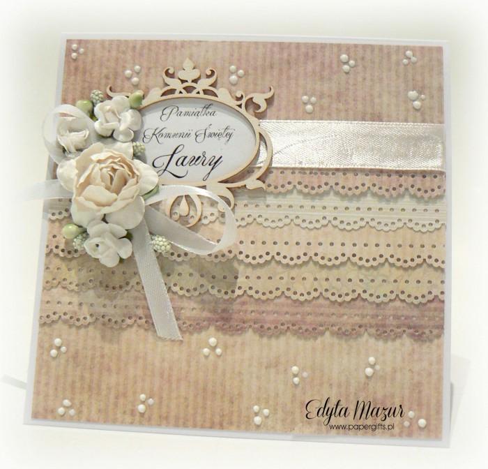 Pastelowe falbanki z ramką i różami - Pamiątka Komunii Św. Laury