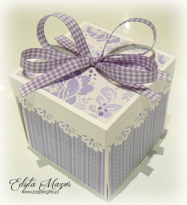 Fioletowo-biały box ślubny dla Iwony i Andrzeja
