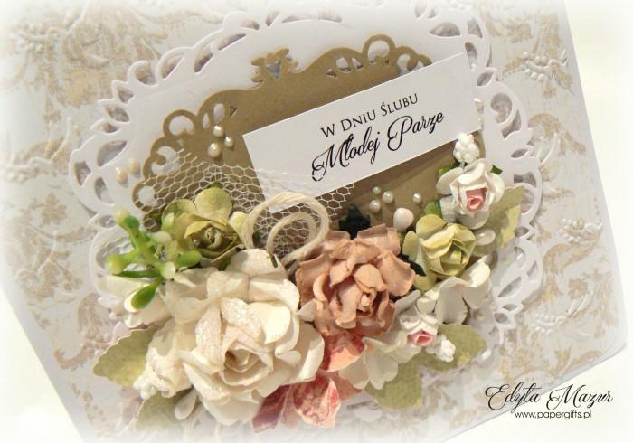 Beżowo-biała z różami - kartka ślubna1