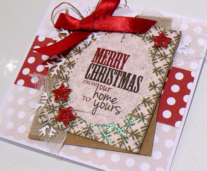 Beżowo-czerwona w kropki - kartka bożonarodzeniowa1
