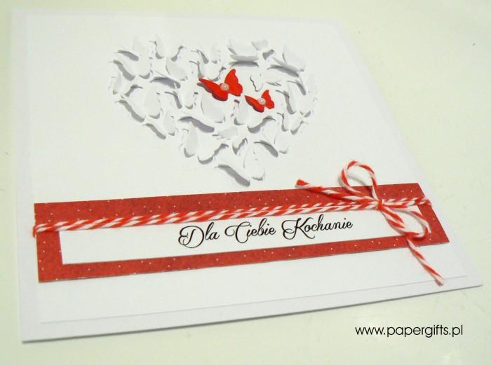 Białe serce z motylków - Walentynka1