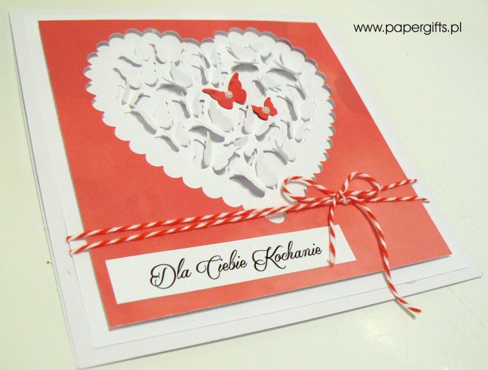 Biało-czerwone serce z motylków - Walentynka1
