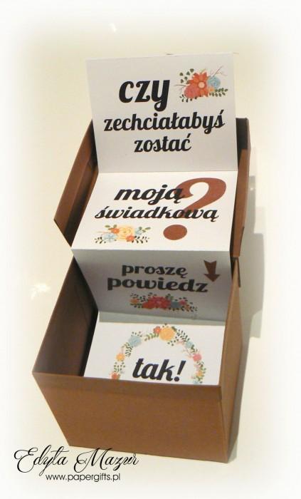 Brązowe pudełeczko z pytaniem i prezentem dla świadkowej1
