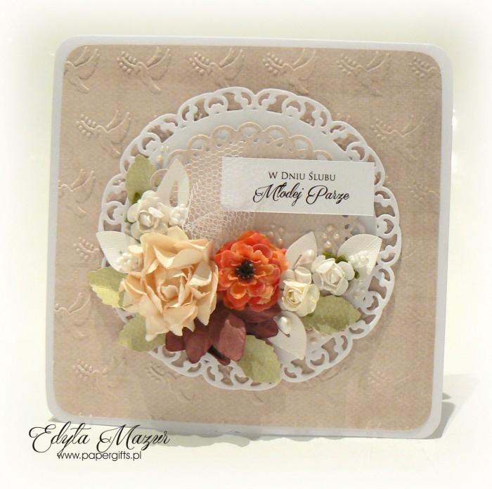 Kremowa z różami - kartka ślubna