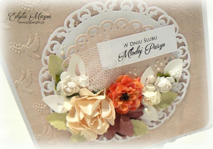 Kremowa z różami - kartka ślubna1