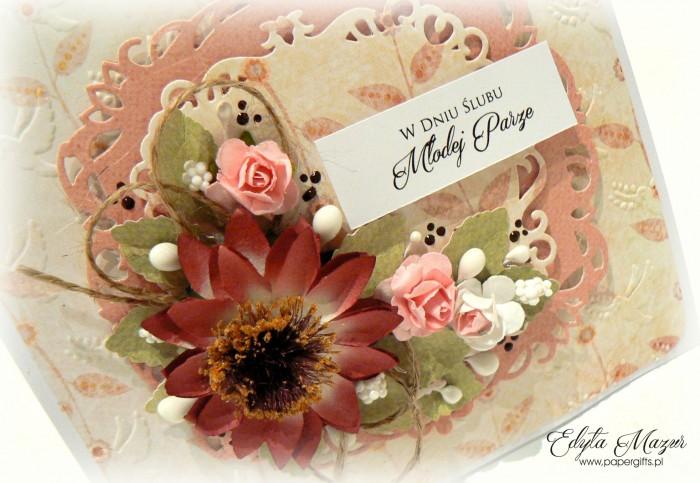 Kremowo-różowa z kwiatem rudbekii - kartka ślubna1