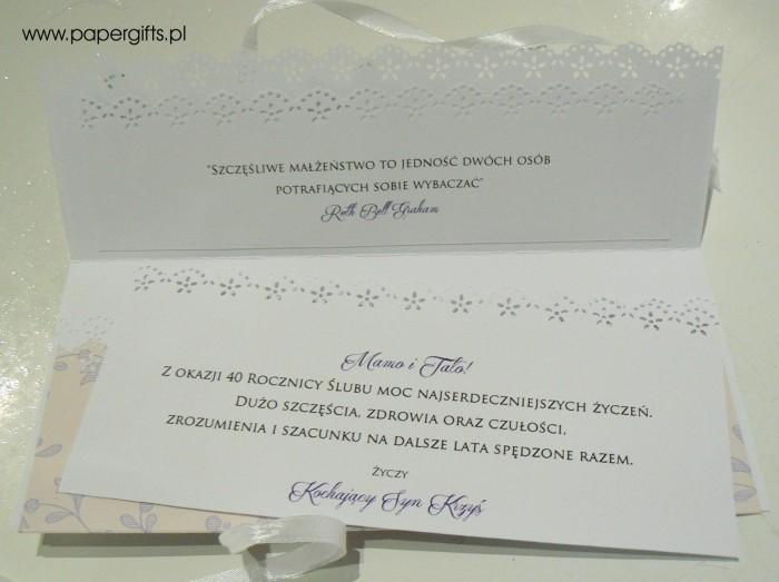 Beżowa w fioletowe motywy - kopertówka na 40 rocznicę ślubu1