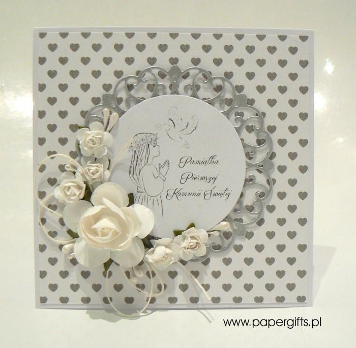Biało-srebrna z sercami dla dziewczynki - Kartka na Komunię Świętą