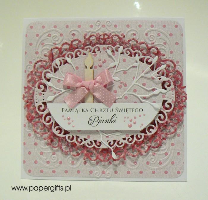 Różowa w kropki ze świecą - Pamiatka Chrztu Świętego Bianki
