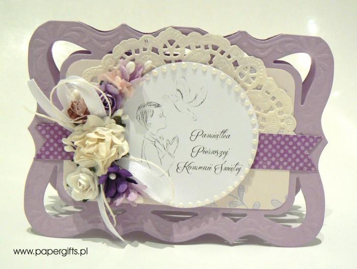 Wrzosowa z białymi i fioletowymi kwiatami - Kartka na Komunię Świętą