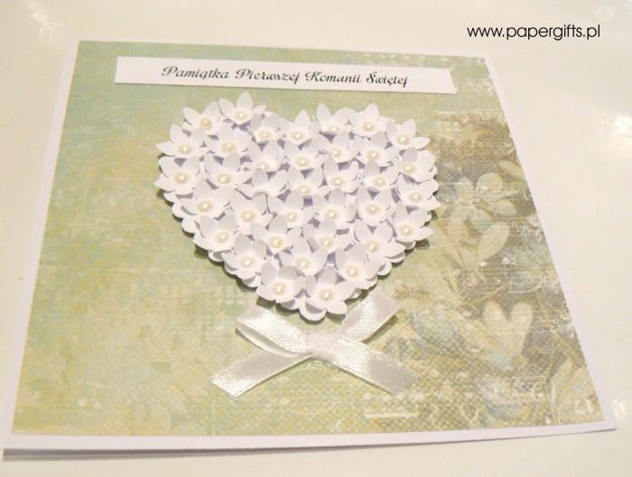Zielono-turkusowa z sercem z drobnych kwiatków – Kartka na Komunię Świętą1