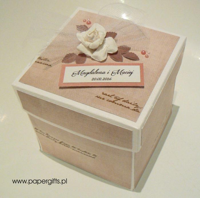 Box ślubny - Magiczne chwile z różami dla Magdaleny i Macieja