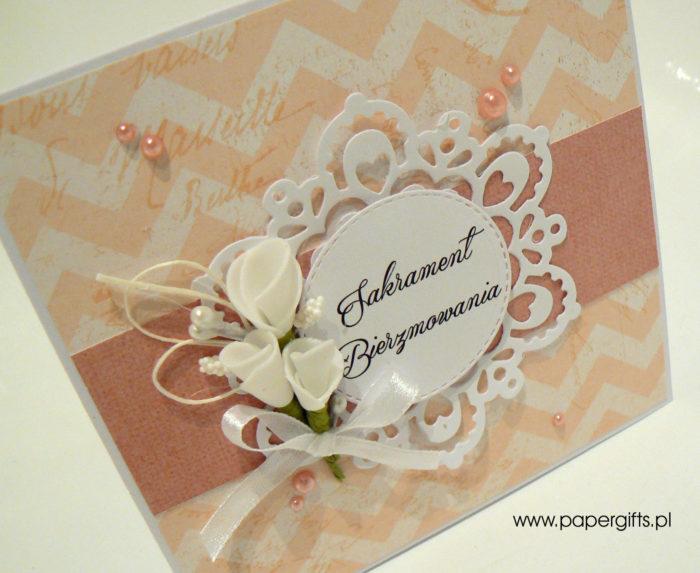 Cielisto-różowa z zygzakiem i koronką - kartka na bierzmowanie1